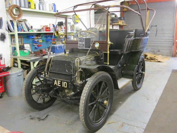 1903 Panhard-Levasser before the hood